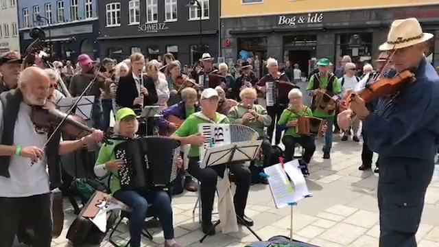 solcenter dag åben tivoli københavn koncerter