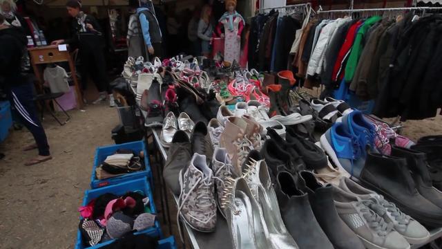 5f229f6c8b38 Video  Beskidt tøj på Roskilde  Bare bytte dig til noget rent - sn.dk -  Forsiden - Roskilde-området - Roskilde